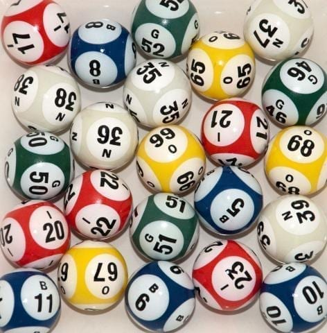 6-Sided 5-Color Bingo Ball Set
